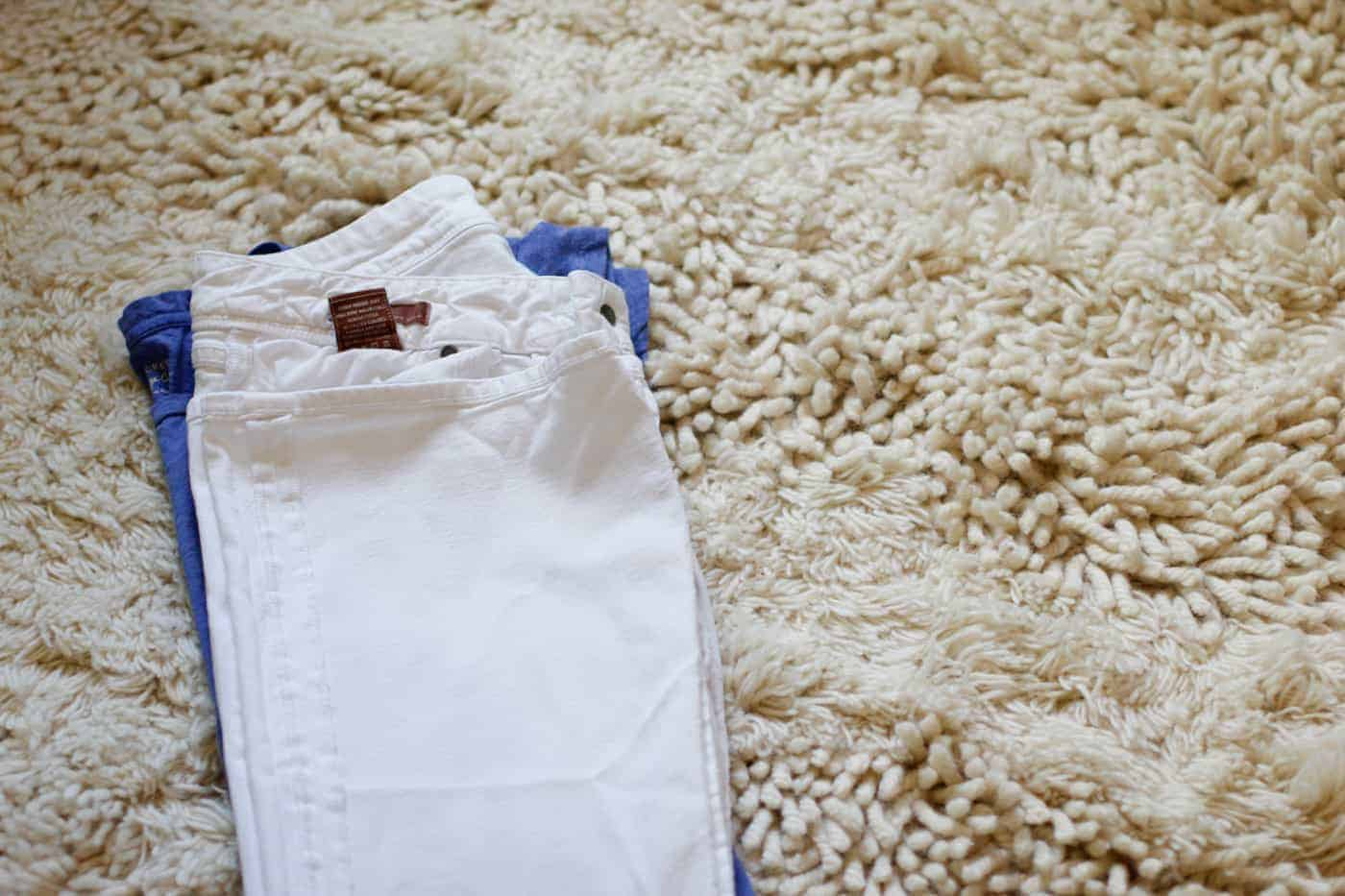 how to pack white jeans 4
