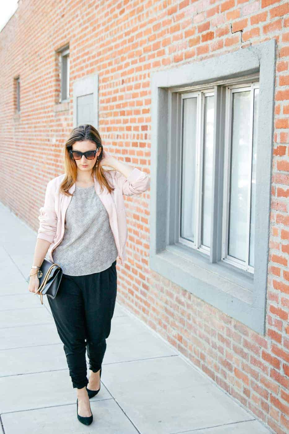 dressy sweatpants travel outfit-2