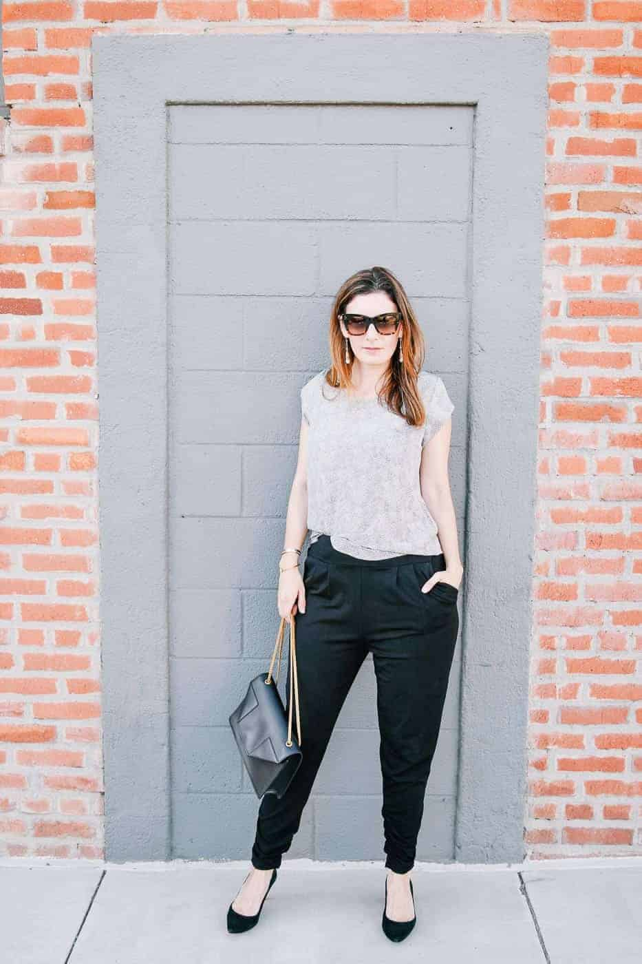 dressy sweatpants travel outfit-4