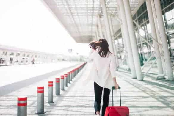 what to wear on a long haul flight and look stylish 3