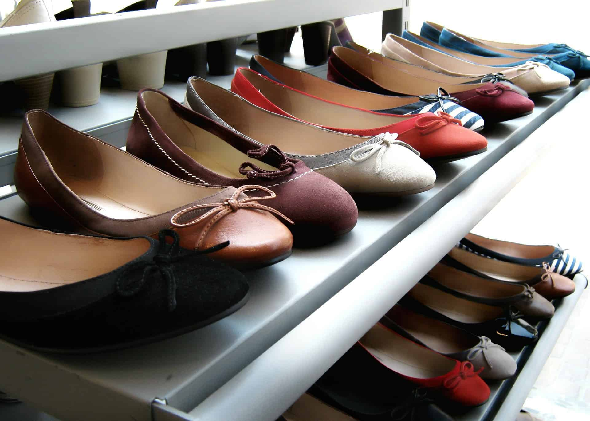 5 Stylish Walking Shoes for Europe